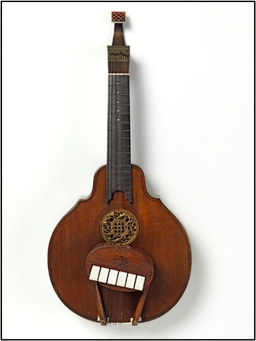 Guitar, Johann Frederick Hintz, Great Britain, 1755–60. Victoria and Albert Museum 37-1870.